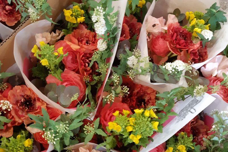 「ツキイチ花束の会」の季節のブーケ