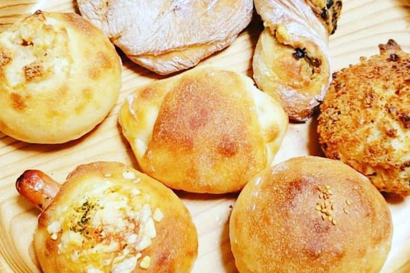 「小さな工房 まるむ」のパン